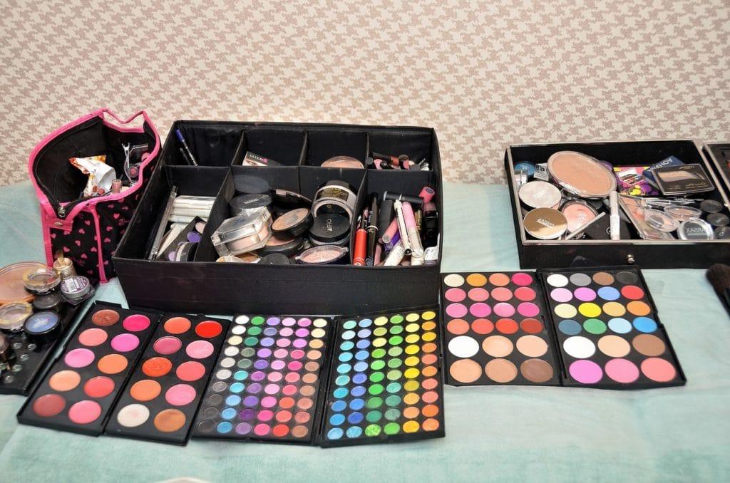 Makeup Ingredients Acne Breakout